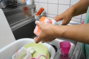 食器-洗う-キッチン